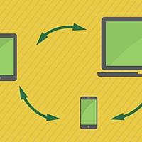 Ilustração de um celular, computador e um tablet sincronizados